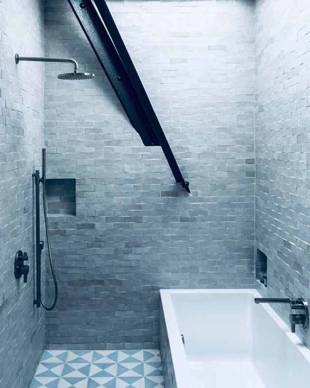 Different ways to expose beams.  #townhousetherapy#townhouse#brownstone #renovat…