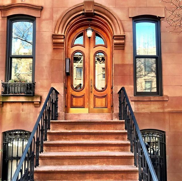 The individuality of brownstone and townhouse entrance doors is endless.@brookly…