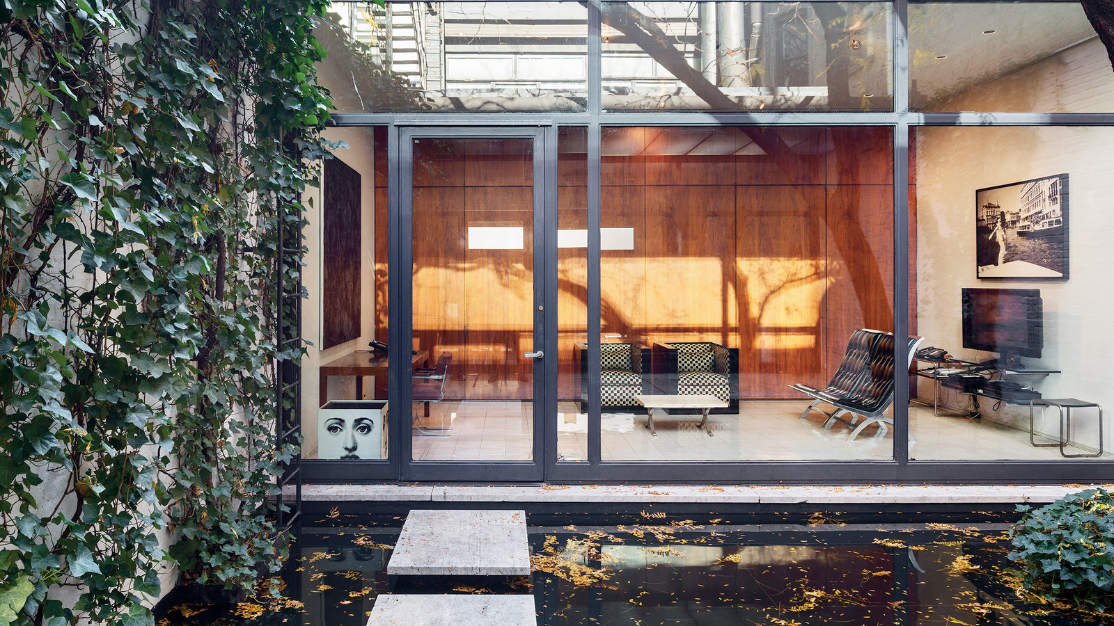A Secret Little Glass Home in the Heart of New York …